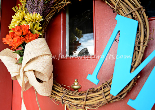 the perfect wreath to decorate your door for fall.
