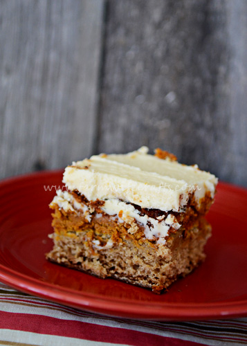 This pumpkin snickerdoodle cake is perfect for Thanksgiving dinners.