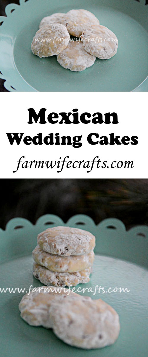 These Mexican Wedding Cakes are the perfect mix of sweet and crunchy. Perfect for Christmas baking.