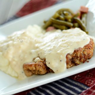 Pan-Fried Cubed Steak and Gravy