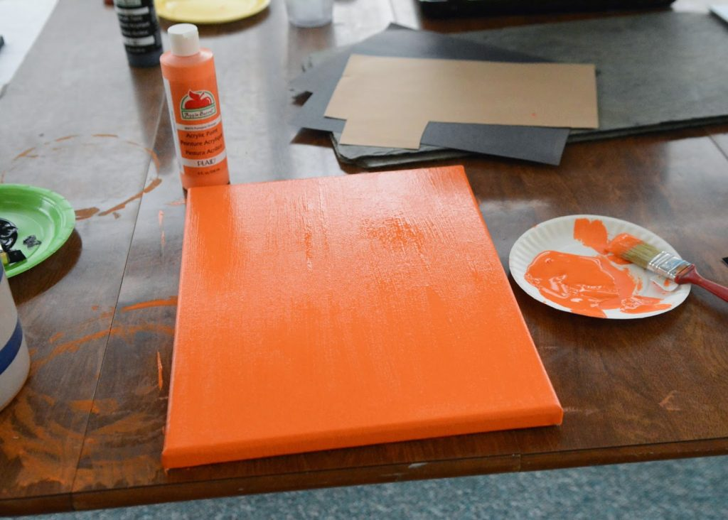 This Ghost Footprint Canvas is and easy, simple craft to make to enjoy every Halloween. A bonus is that it also includes fingerprints as well!