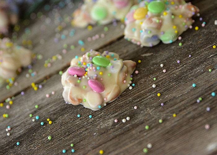 This Easter Crockpot Candy is so easy to make and only takes a few ingredients and a few minutes of your time!