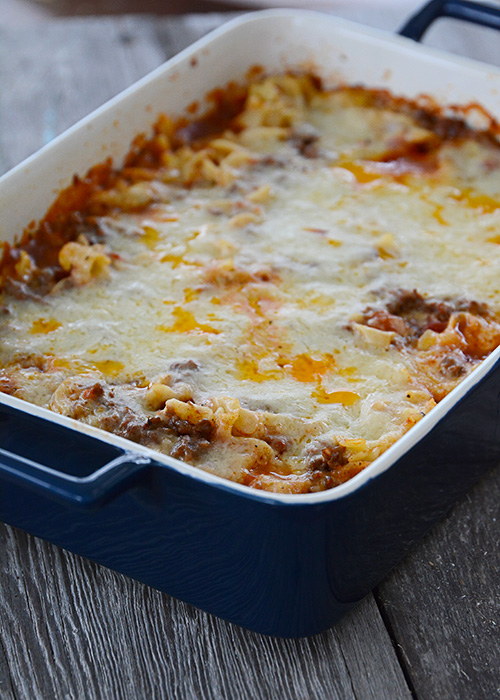 Are you looking for an easy weeknight meal, or maybe a meal that you can stick in the freezer for later or share with a friend?  This Friendship Casserole might just be what you are looking for!