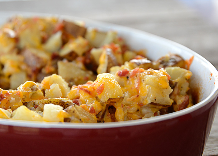 Are you look for an easy side dish? Maybe one to go with your steaks or hamburgers that you're grilling. These Bacon Ranch potatoes are easy and so good!