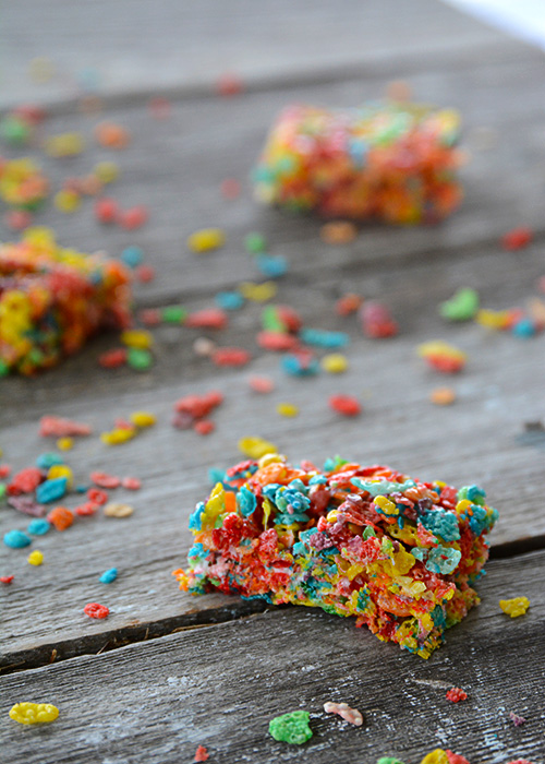 Looking for a new spin on the classic marshmallow treats aka Rice Krispie Treats? These Fruity Pebbles Marshmallow Treats are just as easy to make and so bright and cheerful, everyone will love them!