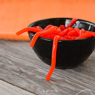 Are you getting ready for Halloween with the kids?  Maybe you're hosting a party!  These jello worms will be a hit and they're fun to make!
